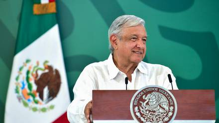 AMLO lamentó la muerte del coordinador del PRI en la Cámara de Diputados, René Juárez Cisneros.