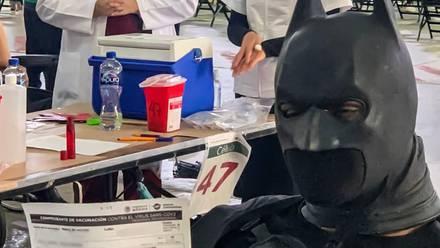 Joven disfrazado de Batman