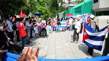 Protestas en la embajada de Cuba