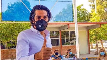 El candidato a diputado federal por Torreón se conmovió hasta las lágrimas luego de votar