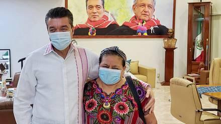 Rutilio Escandón y Rigoberta Menchú