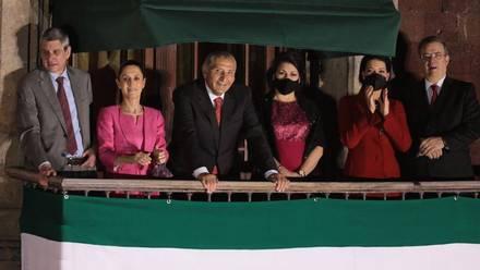 Claudia Sheinbaum, Adán Augusto López y Marcelo Ebrard en el Grito de la Independencia de AMLO