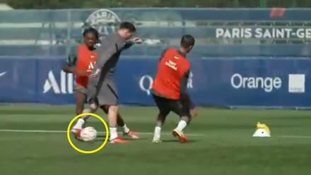 Messi en entrenamiento del PSG