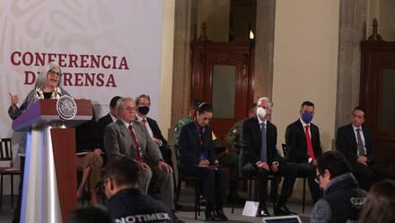Funcionarios en Palacio Nacional.