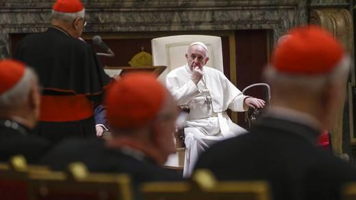"""Papa Francisco pondrá """"fin a los pecados"""" en El Vaticano"""