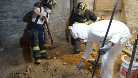 Continúan las excavaciones en la casa del feminicida de Atizapán