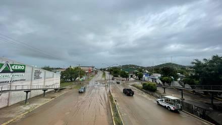 Colonias de Mazatlán sin luz por huracán Pamela