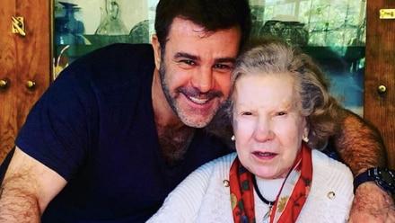 Eduardo Capetillo junto a su madre