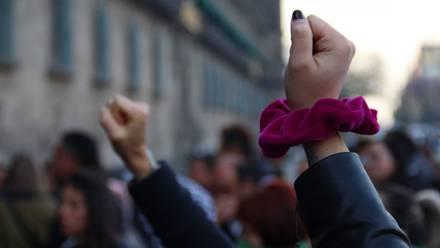 Protesta de colectivos feministas en la capital del país