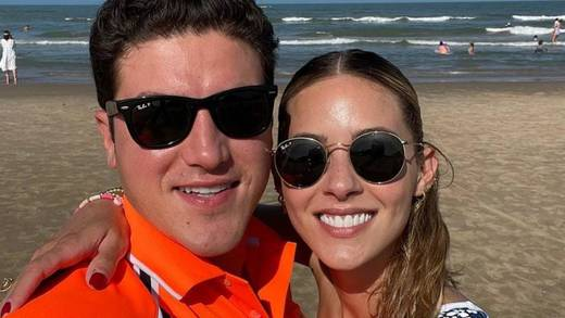 """Samuel García y Mariana Rodríguez preguntan al INE desde la playa """"¿esta foto cuánto vale?"""""""