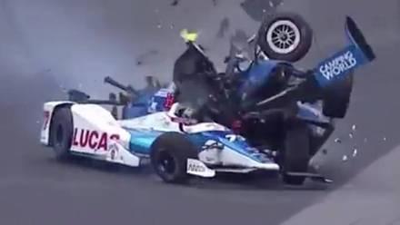 Scott Dixon sufrió un accidente que pudo haber terminado con su vida