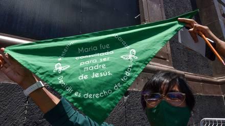 Protesta por el aborto legal en el Congreso del Edomex