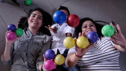 Palmira y Gabriela con su hijo