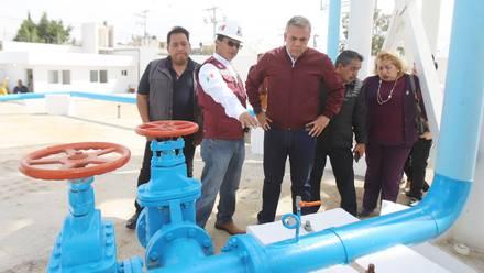 Fernando Vilchis Contreras dijo que el nuevo tanque tiene capacidad de almacenamiento de 269 metros cúbicos.