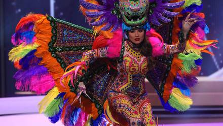 Andrea Meza en traje típico en Miss Universo 2021