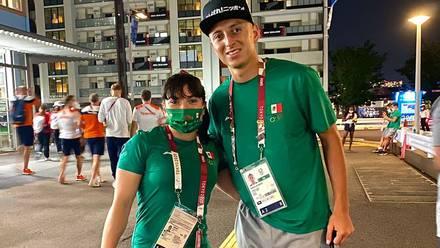 Alexa Moreno con Roberto Alvarado