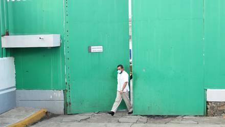Manuel saliendo del penal de Almoloya de Juárez.