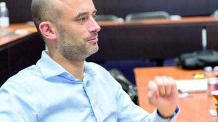 Miguel Treviño acusa sin pruebas y acude a presentar una solicitud para que se revisen todas las firmas