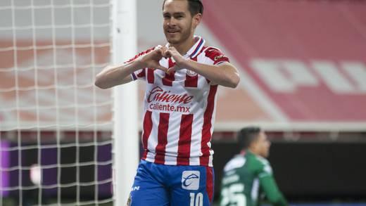Jesús Angulo saldría del Club Chivas