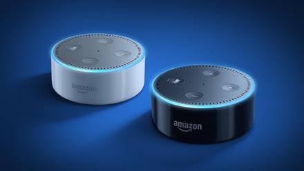 Los altavoces inteligentes Amazon Echo Dot.