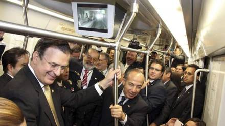 Barruntos políticos. Foto responde a AMLO: ¿Quién era presidente (jefe de gobierno, constructor) en la L-12?