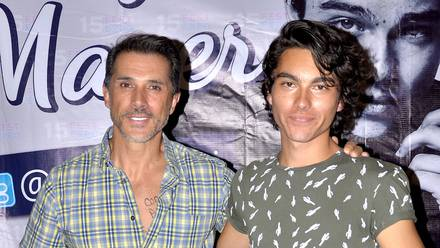 Sergio Mayer junto a su hijo Sergio Mayer Mori
