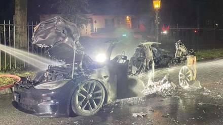 Tesla Model S Plaid quemado