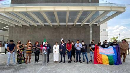 Fiscalía de Morelos y activistas LGBT