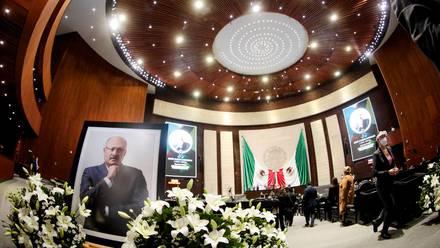René Juárez Cisneros, coordinador de la bancada del PRI en la Cámara de Diputados, murió por Covid-19.