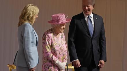 Los Biden y la Reina Isabel II