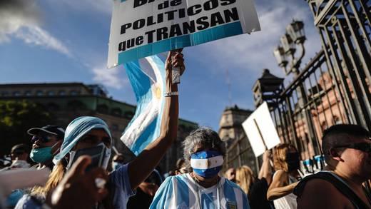 Manifestaciones en Argentina por la 'vacunación VIP'