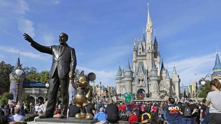 Encuentran cadáveres de familia en casa ubicada en el corazón de Disney World