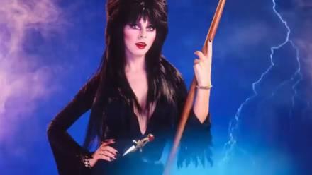 Cassandra Peterson, Elvira, la dama de la oscuridad
