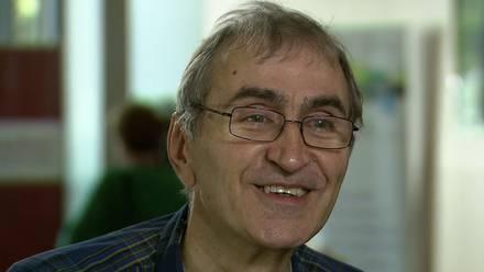 Héctor García Molina(1954-2019) brindó desde la asesoría, así como el equipamiento a Larry Page y Sergey Brin, creadores del Google.