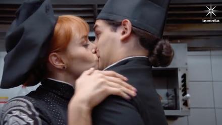 Eva Daniela besa a Emilio Osorio