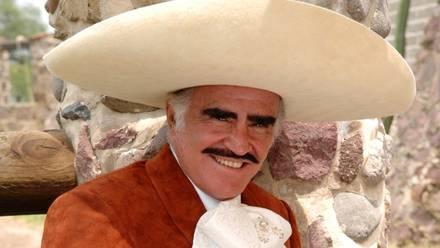 Vicente Fernández, Cantante.