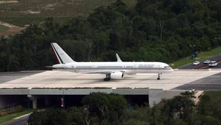 "Avión presidencial ""Benito Juárez"""