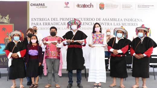 Rutilio Escandón pide a pueblos indígenas de Chiapas erradicar violencia contra mujeres y niñas
