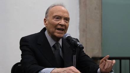 Alejandro Gertz Manero. Avión en Gobierno de Peña Nieto para PGR.