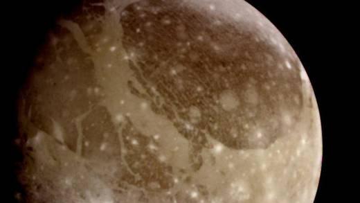 """Telescopio Hubble habría detectado """"vapor de agua"""" en Ganímedes, luna de Júpiter"""