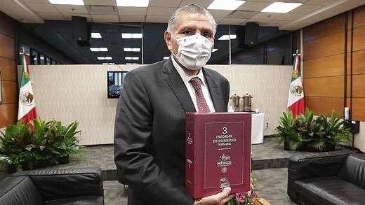 Adán Augusto López entrega Informe de Gobierno de AMLO al Congreso