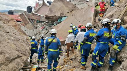 Labores de rescate en el Cerro del Chiquihuite