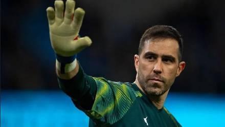 Bravo en un partido con el Manchester City