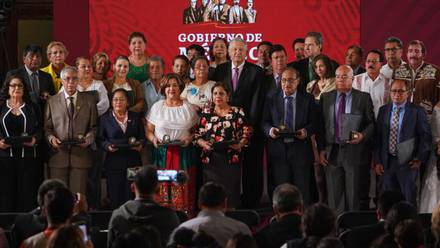 El rostro del Presidente, genuinamente feliz y orgulloso frente a los maestros mexicanos que iban a recibir sus reconocimientos.
