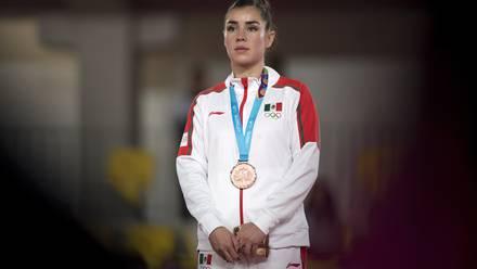Dafne Navarro presume medalla en Lima 2019