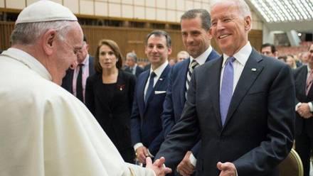 Papa Francisco y Joe Biden
